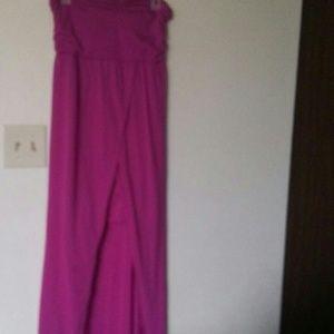 Dresses & Skirts - Strapless Evening Gown. size Medium